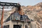 大型露天石灰岩破碎机生产工艺流程